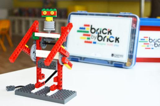 Technických kurzů pro děti je velmi málo a těch hravých ještě méně! Co kdybyste se sami vrhli do hravého podnikání s LEGO franšízou Brick by Brick?